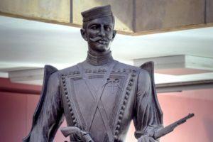 άγαλμα Παύλου Μελά, ήρωα Μακεδονομάχου