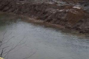 διευθέτηση κοίτης ποταμού