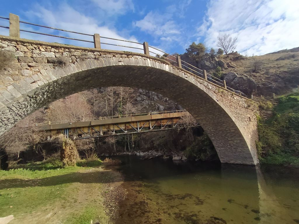 τοξωτο γεφύρι Κορομηλιάς