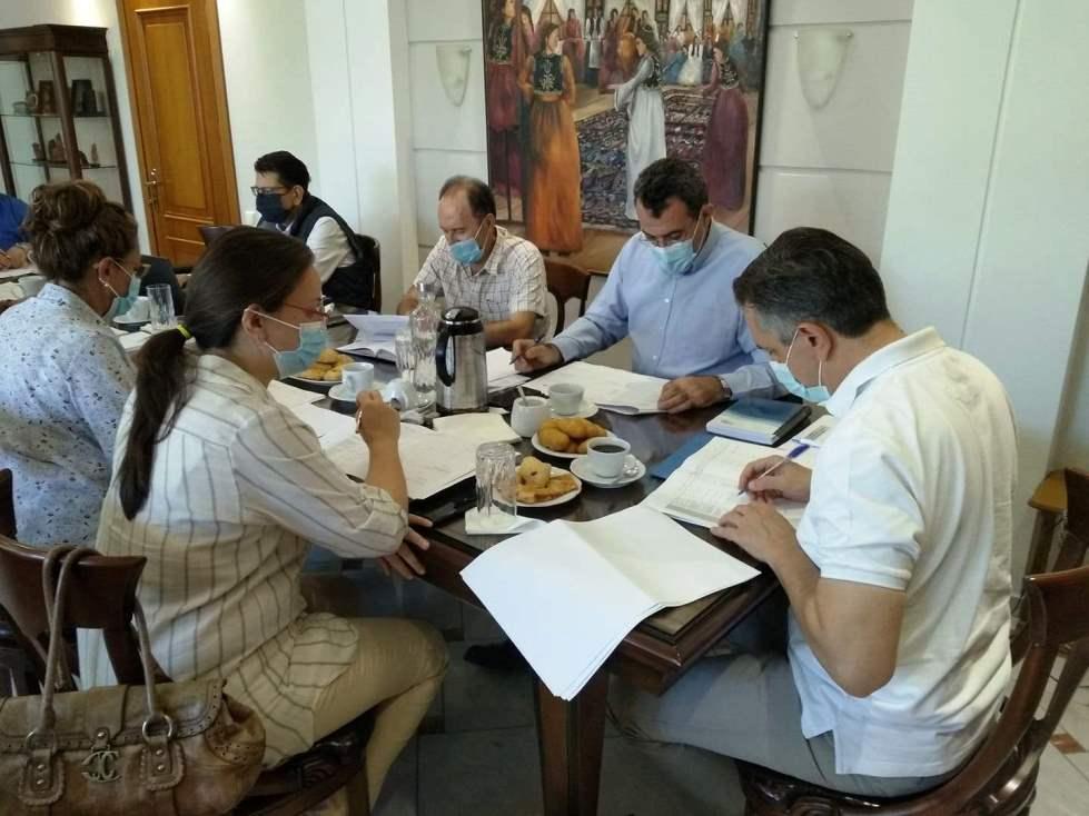 σύσκεψη στην ΠΕΚ παρουσία Περιφερειάρχη